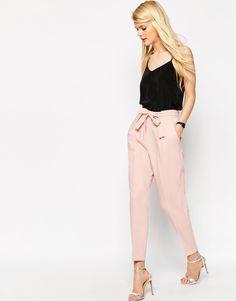 Imagen 1 de Pantalones de pinzas tejidos con lazada OBI de ASOS