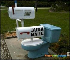 If you are a postal worker and you come across a mailbox like the ones in this list, do you laugh or think wtf. We have gathered 40 funny and weird mailboxes. Funny Mailboxes, Unique Mailboxes, Painted Mailboxes, Custom Mailboxes, Mailbox Makeover, Diy Mailbox, Mailbox Ideas, Mailbox Designs, Brick Mailbox