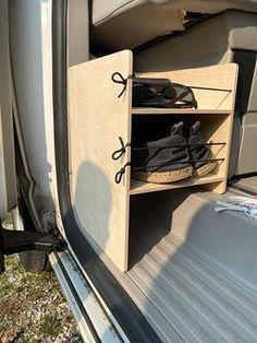Ford Transit Camper, T5 Camper, Mini Camper, Camper Life, Vw Caravan, Caravan Hacks, Camper Hacks, Camping Box, Minivan Camping