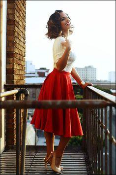 Znalezione obrazy dla zapytania sukienka lata 80