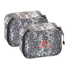 Eagle Creek Pack-It Specter Mini Cube(Extra S) Set, Hexagami: This set of extra small mini cubes are padded for protection of what's inside. Store your jewelry, eye care kit, or small electronics inside. Eagle Creek Pack It, Luggage Accessories, Travel Light, Travel Luggage, Travel Essentials, Outdoor Gear, Packing, Mini, Stuff To Buy