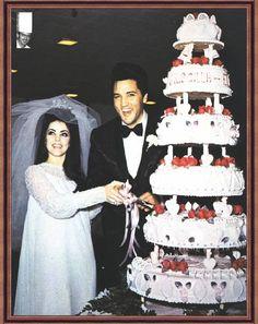 Elvis Presley and Priscilla Beaulieu wedding cake. #Celebritystyleweddings.com @Celebrity Style Weddings