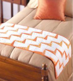 Free pattern: Lightning bolt table / bed runner · Quilting | CraftGossip.com