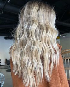 Platinum Blonde Light Blonde Hair, Blonde Hair Looks, Balayage Hair Blonde, Brown Blonde Hair, Platinum Blonde Hair, Beachy Blonde Hair, Natural Blonde Highlights, Blonde On Blonde, Blond Hair Colors