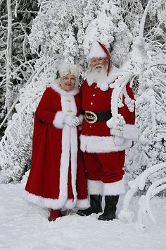 Santa and Mrs. Cluase | Santa and Mrs Claus in the Snow