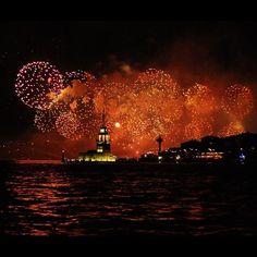 Fireworks and Kız Kulesi