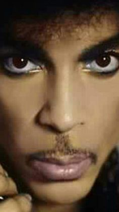<3  The eyes that mesmerize  <3