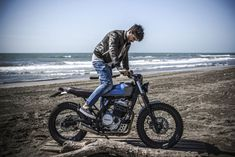 Marco di Marcello works as a physiotherapist—but he has built a custom Honda Dominator NX650 worthy of a pro garage. Honda Dominator, Honda Cg125, Honda Motorcycles, Vintage Motorcycles, Custom Motorcycles, Custom Bikes, Cafe Racer Honda, Cafe Racer Build, Cafe Racers