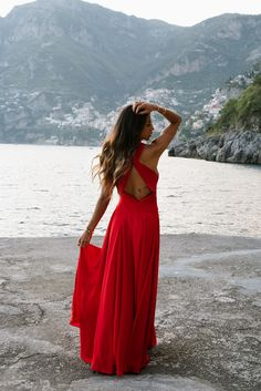 tom ford sole di Positano perfume italy Amalfi coast girl gingham italian crop top yellow boat ride travel guide travel blogger blog not your standard fashion style outfit south of italy red dress fame and partners massie