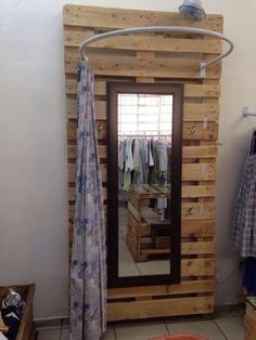 9 clothing boutique interior design ideas you need to try 5 Clothing Boutique Interior, Clothing Store Design, Boutique Interior Design, Boutique Decor, Fashion Boutique, Country Boutique, Store Layout, Store Interiors, Changing Room