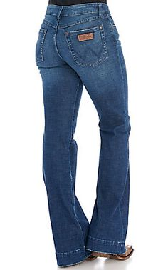 Wrangler Women's Willow Ultimate Riding Jean Light Wash Mid Rise Boot Cut Jeans   Cavender's Flare Leg Jeans, Wide Leg Jeans, High Jeans, High Waist Jeans, Trouser Jeans, Trousers, Women's Jeans, Cut Jeans, Classic Outfits For Women