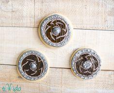 Viking Shield Cookie Tutorial | Tikkido.com