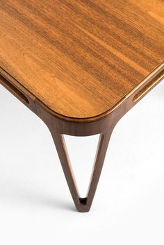 Carl-Axel Acking coffee / side table in mahogany at Studio Schalling