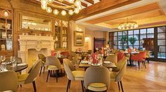 Centrally located in Palma de Mallorca, the Gloria de Sant Jaume is a centrally located hotel in the city, set in a palace. Architectural Elements, 5 Star Hotels, Old Town, Guest Room, Restoration, Hotel Palma, Traditional, Luxury, Hotels