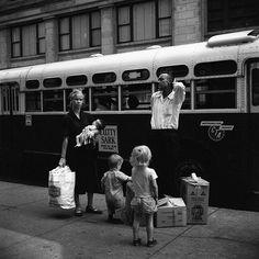 Chicago Loop, By Vivian Maier (Source: The New York Times) Best Street Photographers, Great Photographers, Henri Cartier Bresson, Robert Doisneau, Edward Weston, Magnum Photos, Vivian Maier Street Photographer, Vivian Mayer, André Kertesz
