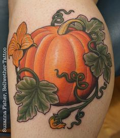 Pumpkin tattoo in honor of Halloween! By Suzanna Fisher of Bellwether Tattoo in Seattle, WA halloween tattoo Vine Tattoos, Dream Tattoos, Future Tattoos, Sexy Tattoos, Body Art Tattoos, Sleeve Tattoos, Tatoos, Cute Halloween Tattoos, Fruit Tattoo