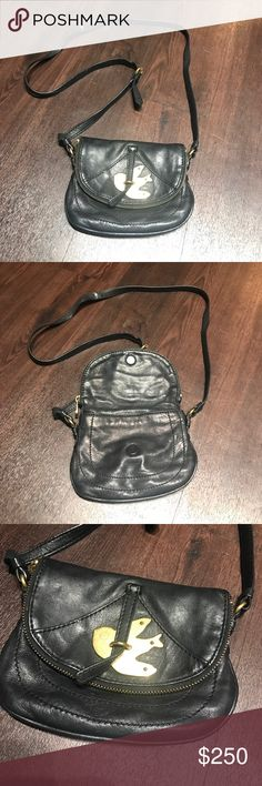 Marc Jacobs Crossbody bag Real, used, great condition! Marc Jacobs Bags Crossbody Bags