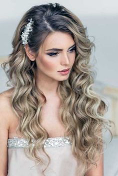 Wedding hairstyles 2019 half up half down with silver hairpin and veil . - Veil styles - hairstyles The Effective Pictures We Offer You About beach wedding hairstyles f Wedding Hair Down, Wedding Hairstyles For Long Hair, Wedding Hair And Makeup, Down Hairstyles, Curly Bridesmaid Hairstyles, Layered Hairstyles, Wedding Updo, Wedding Beauty, Wedding Bridesmaids