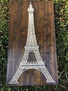 Your place to buy and sell all things handmade MADE TO ORDER - Paris Eiffel Tower String Art Wooden Board Foam Crafts, Arts And Crafts, Craft Foam, Arte Linear, Nail String Art, String Crafts, String Art Patterns, Thread Art, Paris Eiffel Tower