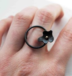 Oxidized Sterling Silver Ring. 18kt Gold. Black. by mariagotijoyas, €53.00