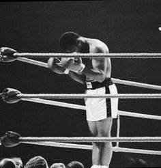Muhammad Ali was one of the most inspiring athletes in history. Here are 30 of the greatest Muhammad Ali quotes to inspire you to achieve your own goals. Muhammad Ali Quotes, Muhammad Ali Boxing, Manny Pacquiao, Muay Thai, Citation Mohamed Ali, Kickboxing, Lacrosse, Roger Federer, Combat Boxe