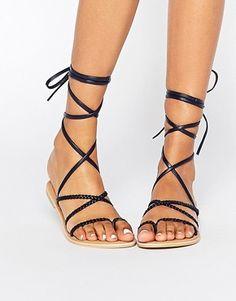Sandalias planas de cuero con diseño trenzado de Park Lane