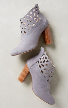 Grey booties #AnthroFave - get an extra 25% off with code: EXTRAEXTRA http://rstyle.me/n/r3eb2n2bn