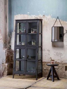 Armoire design asymétrique en bois noir Herritage by Drawer Furniture, Wooden Cabinets, Home, Furniture Decor, Cabinet, Vintage Shelf, Stylish Storage Solutions, Home Deco, Glass Cabinets Display