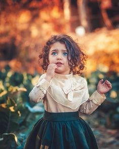 World's Cutest Baby, Cute Baby Girl Wallpaper, Cute Babies Photography, Cute Little Baby Girl, Cute Baby Girl Pictures, Expecting Baby, Beautiful Babies, Adorable Babies, Beautiful Eyes