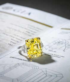 Yellow diamond auctioned by Bonhams