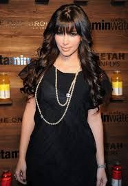 Celebrities who use a Chanel Pearl Necklace. Also discover the movies, TV shows, and events associated with Chanel Pearl Necklace. Chanel Pearl Necklace, Chanel Pearls, Pearl Necklaces, Pearl Jewelry, Fashion News, Fashion Beauty, Fashion Trends, All Black Fashion, Celebrity Style Inspiration