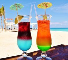 Left or right? Choose both! #ThirstyThursday  ¿Izquierda o derecha? ¡Elige ambas! #SandosCancun