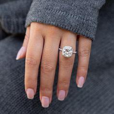 Cushion Cut Halo Ring, Cushion Cut Engagement Ring, Halo Engagement Rings, Pear Wedding Ring, Wedding Rings Solitaire, Elegant Engagement Rings, Designer Engagement Rings, Simulated Diamond Rings, Stone Weight