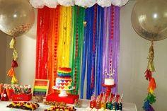 Decoração da festa do arco-íris Mais