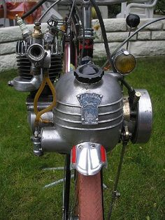 Exceptional custom bikes images are readily available on our web pages. look at this and you wont be sorry you did. Custom Moped, Custom Bikes, Custom Motorcycles, Bicycle Engine, Motorcycle Engine, Velo Vintage, Vintage Bikes, Powered Bicycle, Motocross
