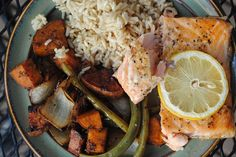 This baked lemon pepper salmon recipe is such a delicious and easy way to prepare salmon in the oven. Grilled Veggies, Grilled Salmon, Healthy Weeknight Meals, Easy Meals, Lemon Pepper Salmon, Dc Food, Salmon Recipes, Good Food, Dinner Recipes