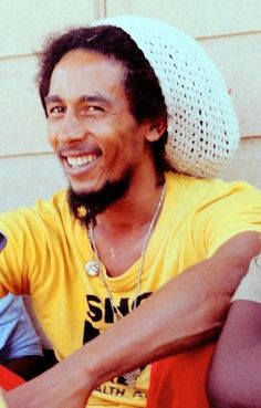 *Bob Marley* More fantastic pictures, music and videos of *Bob Marley* on: de. Bob Marley Legend, Bob Marley Art, Reggae Bob Marley, Bob Marley Quotes, Image Bob Marley, Bob Marley Songs, Reggae Rasta, Rasta Man, Reggae Music