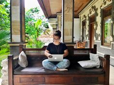 How to Become a Female Digital Nomad. Because the hardest part is buying the ticket!