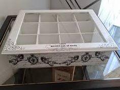 Resultado de imagen para cajas de te en decoupage vintage Decoupage Vintage, Drawer Shelves, Homemade Cosmetics, Tea Box, Chalk Paint, Projects To Try, Decorative Boxes, Hand Painted, Crafts