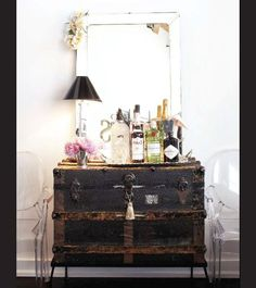 Down to the very gin in this photo have my inspiration receptors on high. Simple. Eclectic. Love.