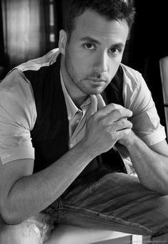 Howie Dorough I'm so glad he got rid of that long hair.. :)