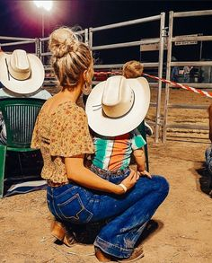 Cute N Country, Country Girls, Country Babies, Country Couples, Country Baby Boy Names, Cowgirl Outfits, Western Outfits, Western Wear, Foto Cowgirl