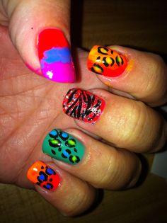 Leopard zebra  neon nails: