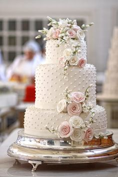 pretty white wedding cake with polka dot details ~ we ❤ this! moncheribridals.com