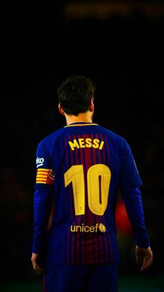 football is my aesthetic Lional Messi, Messi Soccer, Messi And Ronaldo, God Of Football, Football Is Life, Football Players, Fc Barcelona, Lionel Messi Barcelona, Lionel Messi Biography