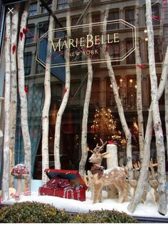Display window, christmas store displays, christmas windows, store window d Winter Window Display, Christmas Window Display Retail, Christmas Store Displays, Christmas Windows, Christmas Time, Window Display Design, Christmas Shopping, Vitrine Design, Store Front Windows