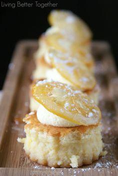 Sansas Lemon Cakes - Game of Thrones - http://www.livingbettertogether.com