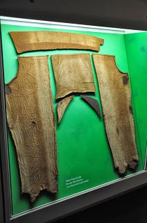 Trousers from Damendorf, made of wool woven in broken lozenge twill (2nd-4th cent.).