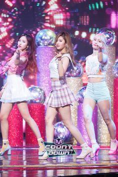 Cool to see the Japan line Nayeon, Osaka, Korean Girl, Asian Girl, U Go Girl, Twice What Is Love, Twice Group, Twice Album, Girlfriends