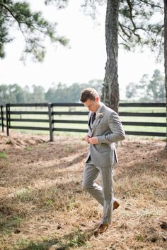 Love this color for the grooms and groomsmen